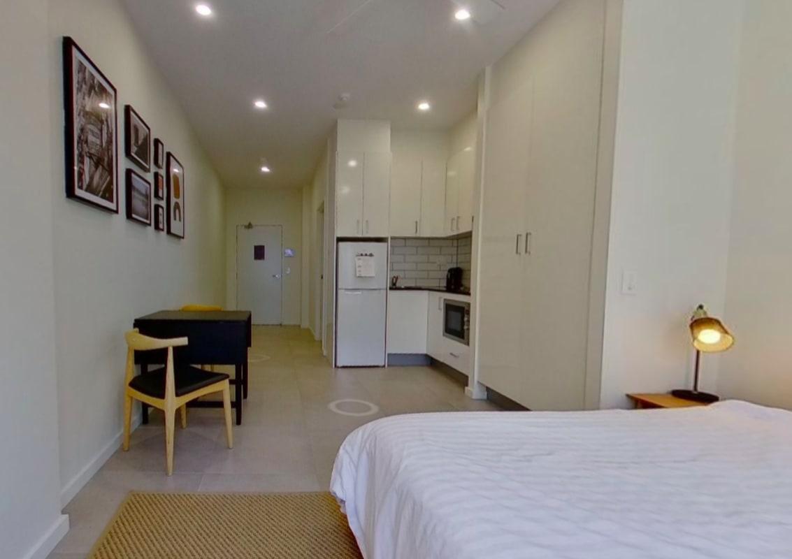 $400, Studio, 1 bathroom, King Street, Newtown NSW 2042