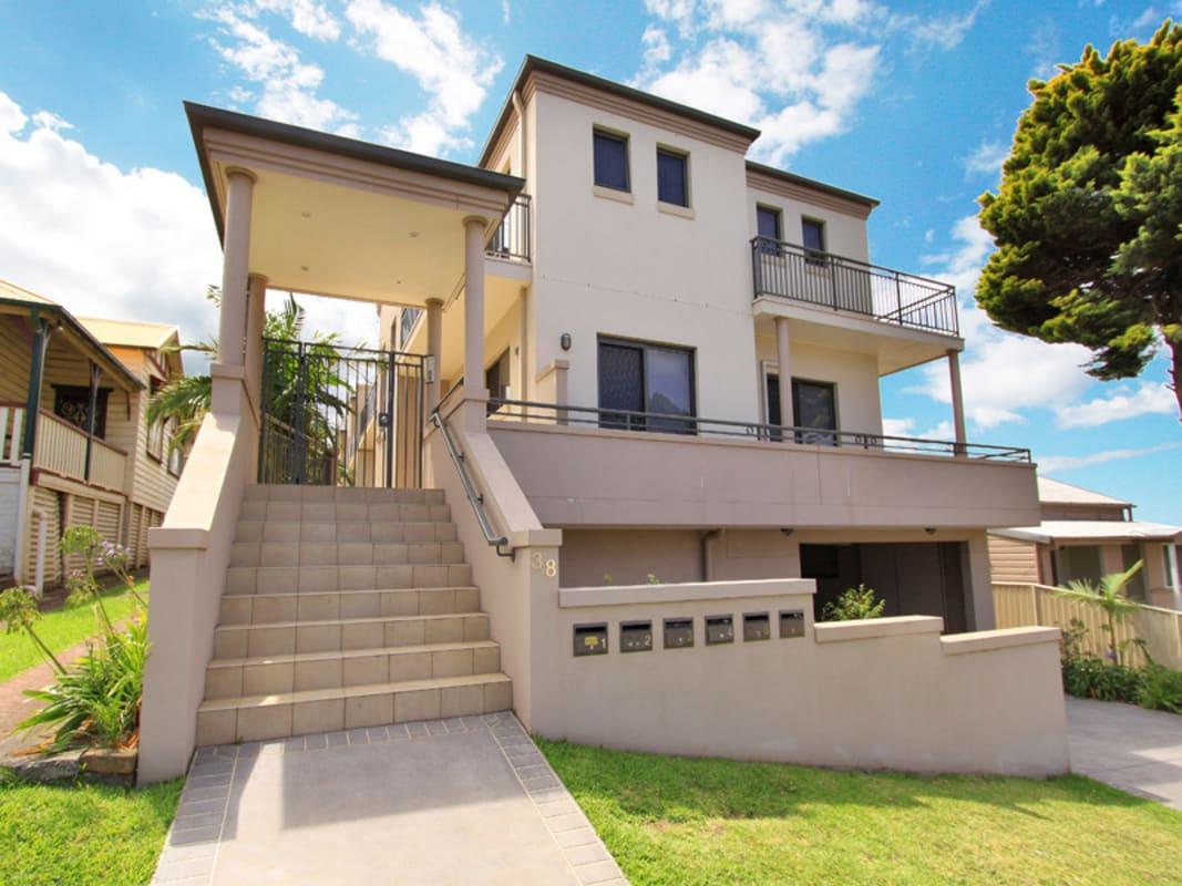 $210, Flatshare, 3 bathrooms, Robinson Street, Wollongong NSW 2500