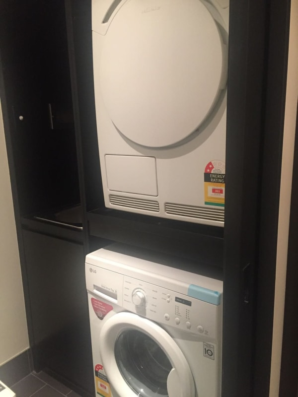 $300, Flatshare, 2 bathrooms, Marcus Clarke Street, Canberra ACT 2601