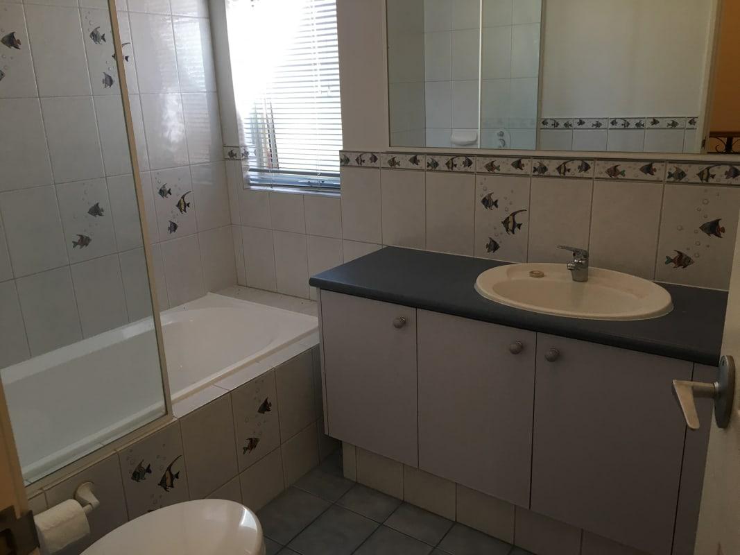 $250, Share-house, 3 bathrooms, Armagh Street, Victoria Park WA 6100