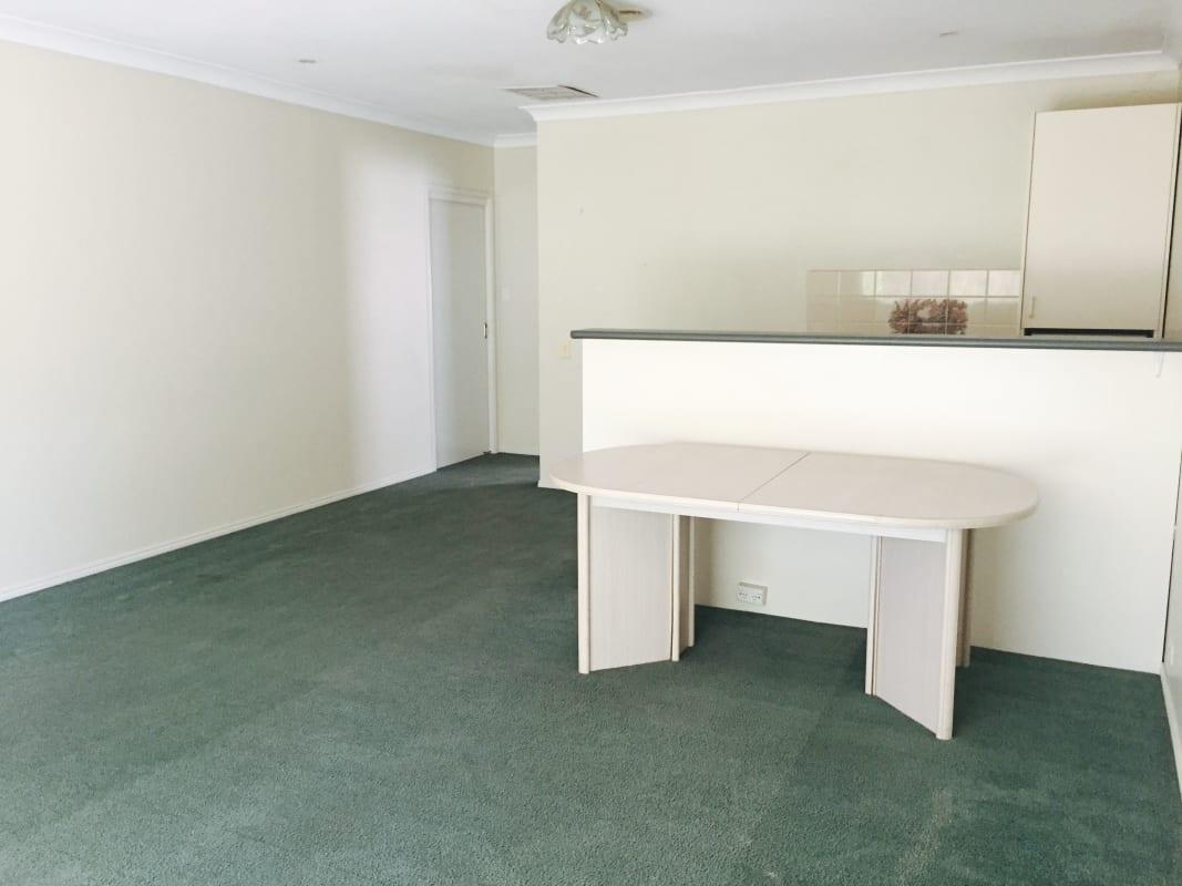 $330, 1-bed, 1 bathroom, Ashcroft Grove, Blackburn South VIC 3130