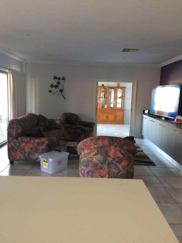 $170, Share-house, 5 bathrooms, McAuliffe Street, Wodonga VIC 3690