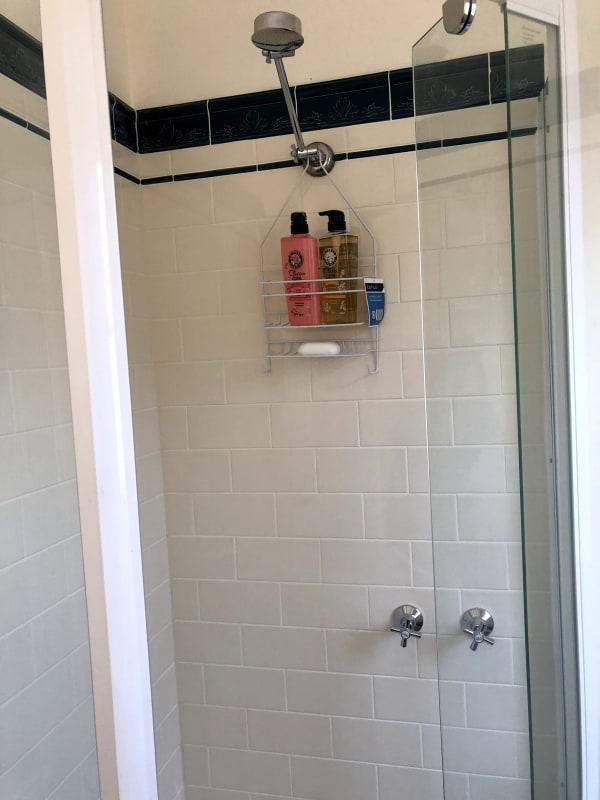 $210, Share-house, 5 bathrooms, Carlisle Street, Saint Kilda VIC 3182