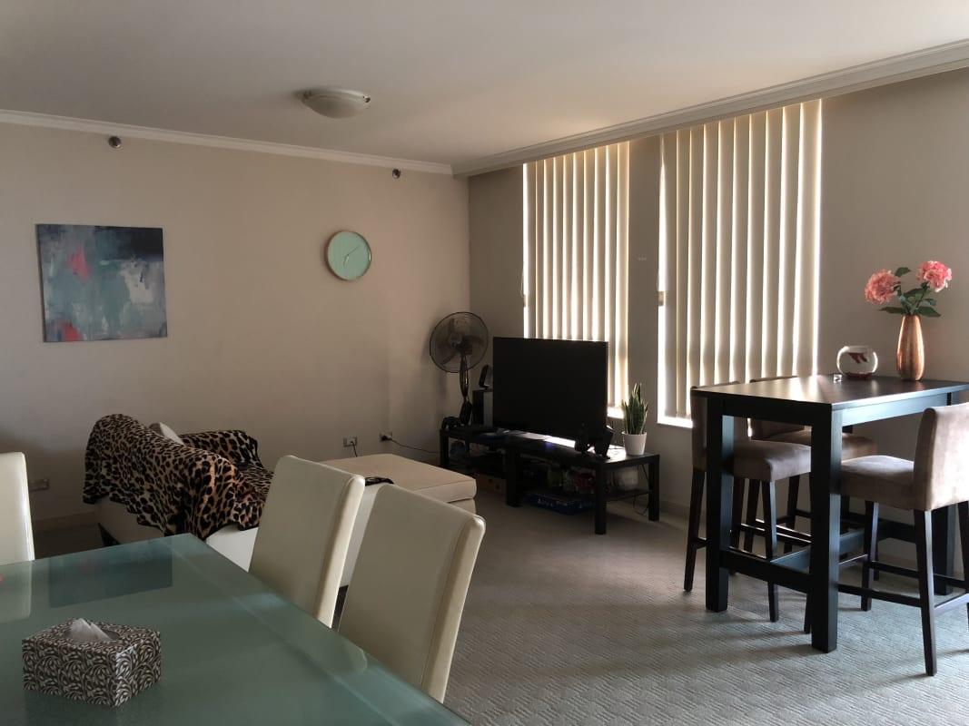 $320-370, Flatshare, 2 rooms, Pitt Street, Sydney NSW 2000, Pitt Street, Sydney NSW 2000