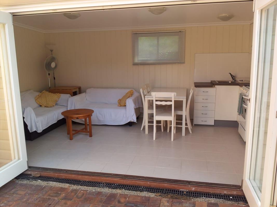 $190, Share-house, 5 bathrooms, Rusk Street, Annerley QLD 4103