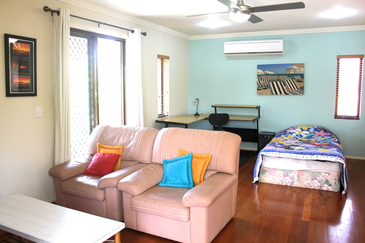 Studio for Rent in Pine Valley Drive, Robina, Gold C ...