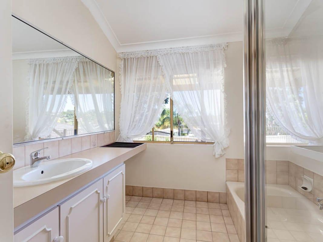 $150, Flatshare, 5 bathrooms, Barclay Road, Kardinya WA 6163
