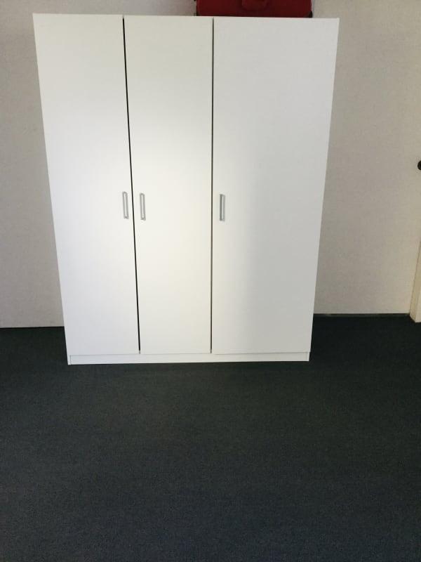 $240, Flatshare, 2 bathrooms, Ocean Street, Wollongong NSW 2500