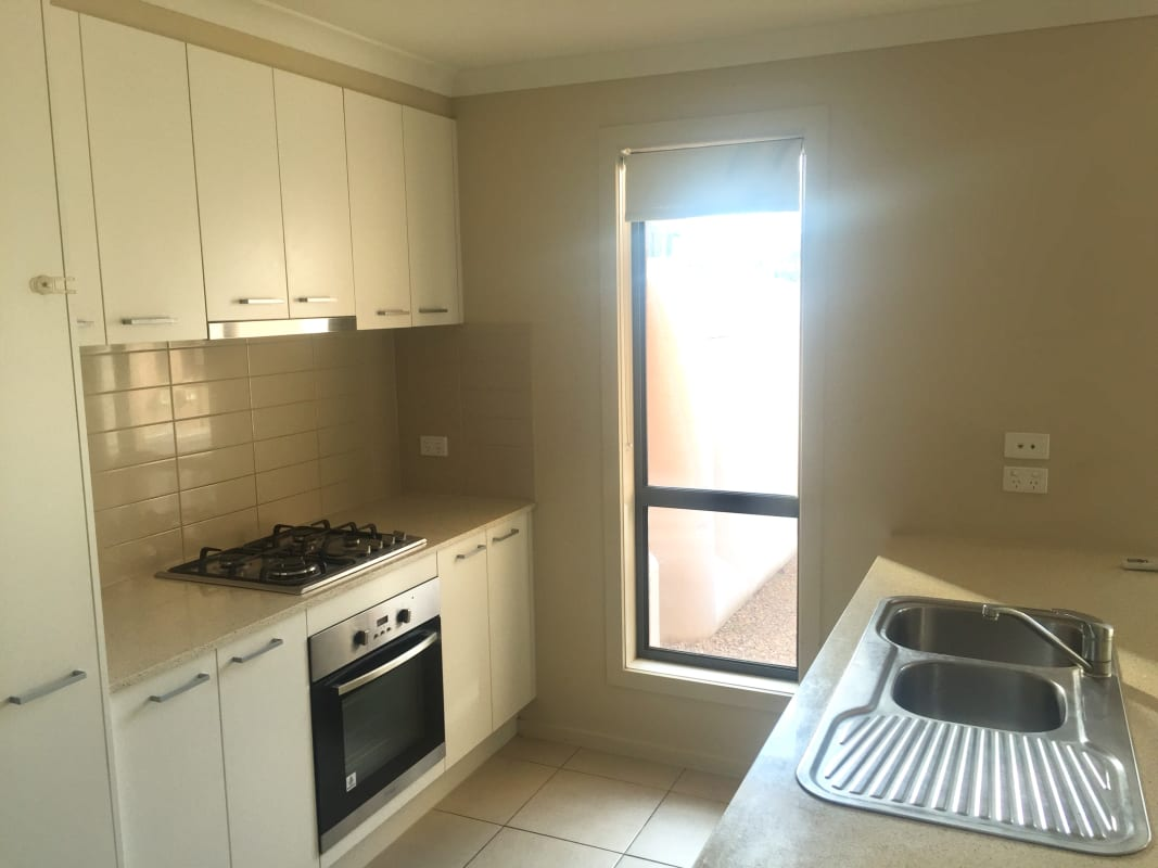 $105, Share-house, 3 bathrooms, Chapel Street, Point Cook VIC 3030
