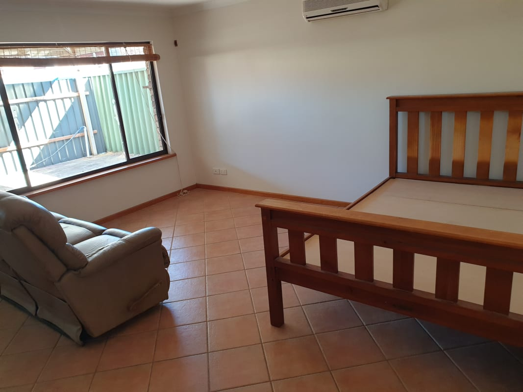 $250, Flatshare, 1 bathroom, Eltham Place, Kingsley WA 6026