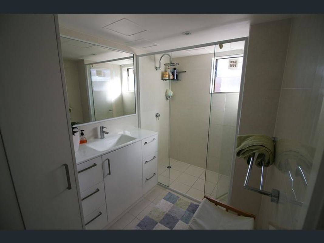 $270, Flatshare, 2 bathrooms, Lanham Street, Coolangatta QLD 4225