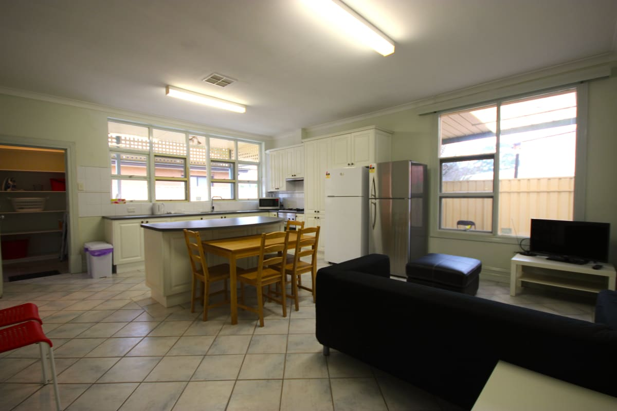 $182-192, Share-house, 2 rooms, Gladstone Road, Mile End SA 5031, Gladstone Road, Mile End SA 5031