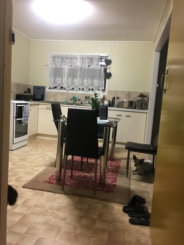 $200, Homestay, 3 bathrooms, Cook Street, Golden Beach QLD 4551
