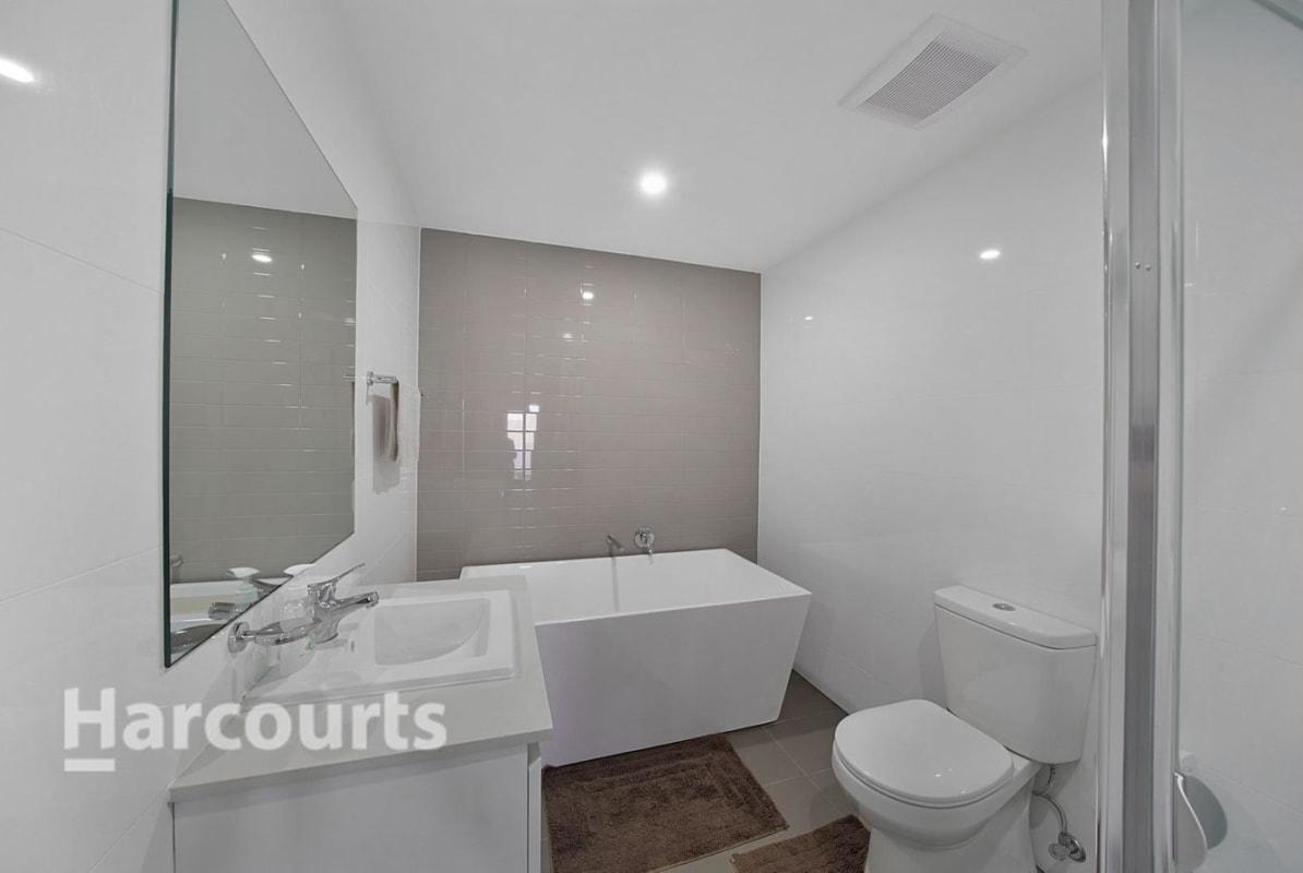$325, Flatshare, 3 bathrooms, Tyler Street, Campbelltown NSW 2560