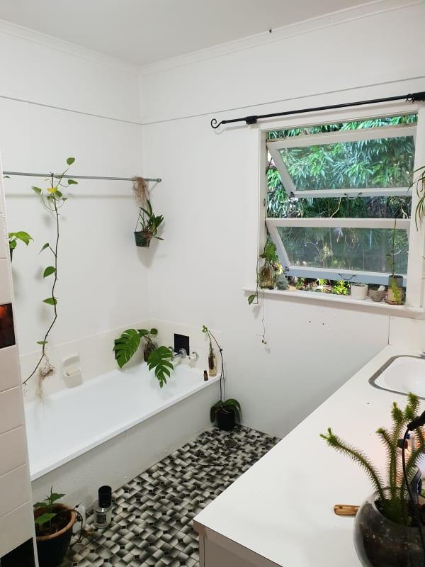 $180, Share-house, 3 bathrooms, Egan Street, Manunda QLD 4870