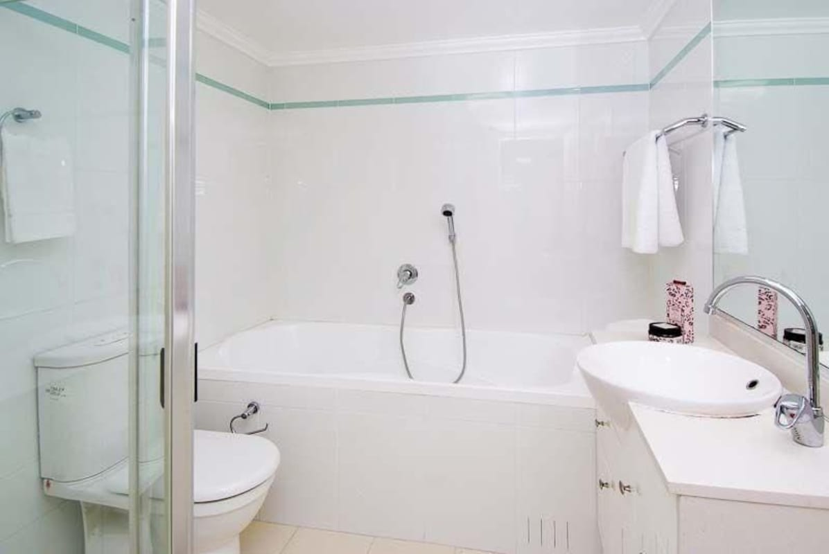 $285, Flatshare, 3 bathrooms, Herbert Street, St Leonards NSW 2065