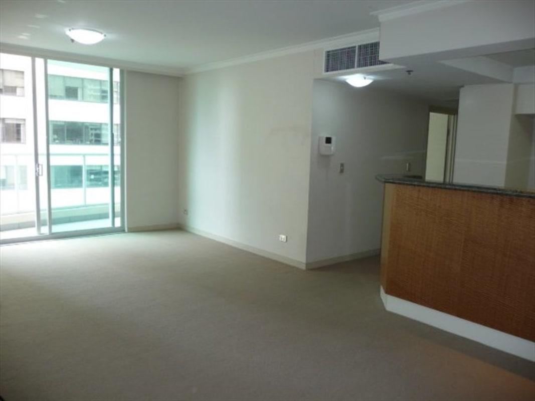 $350, Flatshare, 2 bathrooms, Pitt Street, Sydney NSW 2000