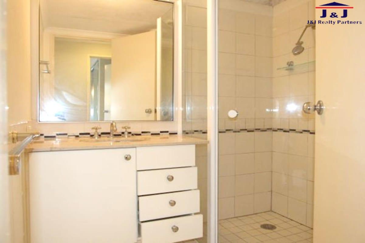 $210, Flatshare, 3 bathrooms, George Street, North Strathfield NSW 2137