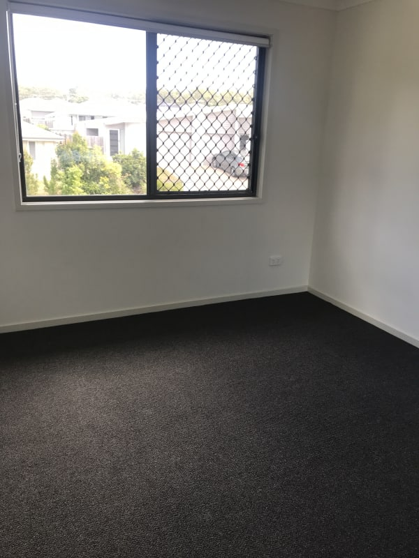 $200, Homestay, 4 bathrooms, Foster Circuit, Hillcrest QLD 4118