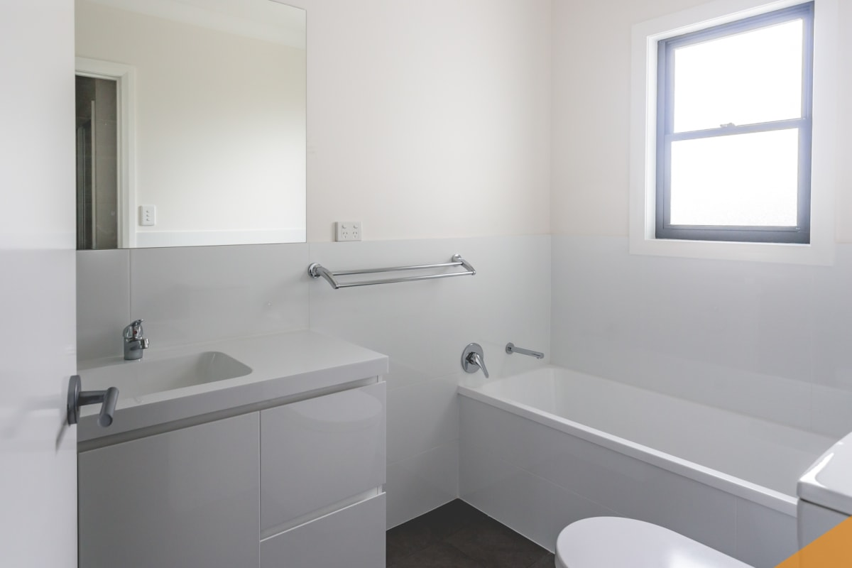 $600, Whole-property, 3 bathrooms, Park Avenue, Kotara NSW 2289