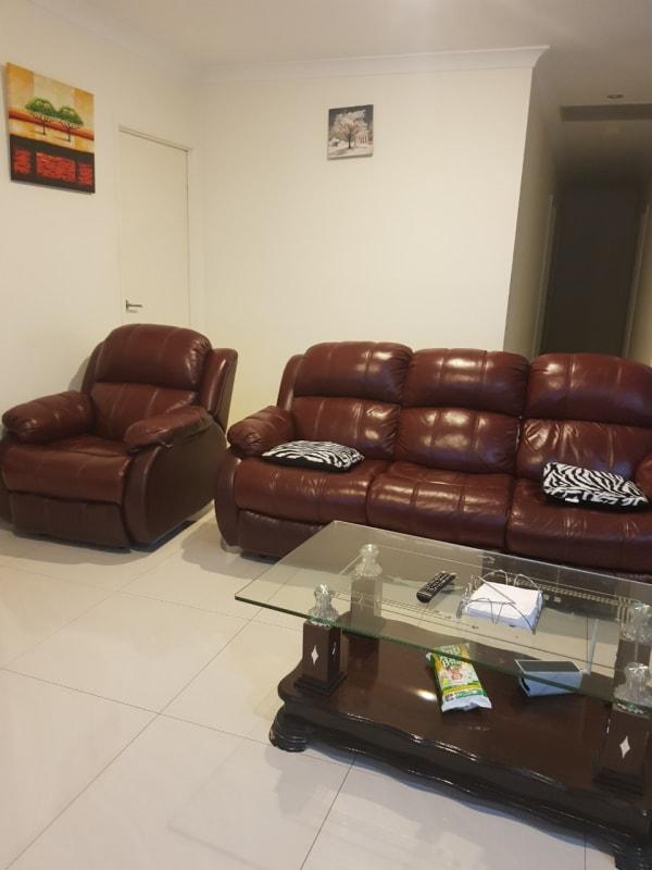 $160, Share-house, 4 bathrooms, Currawong Street, Doolandella QLD 4077