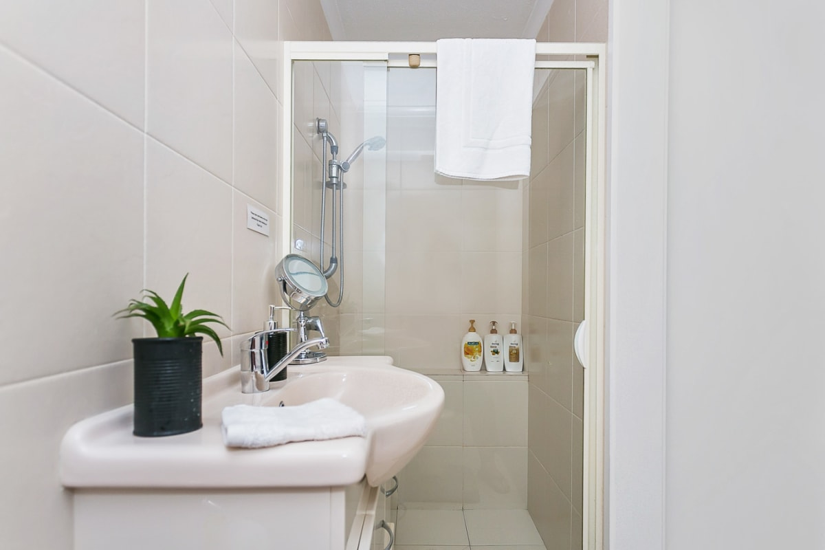 $240, Flatshare, 2 bathrooms, White Street, Southport QLD 4215