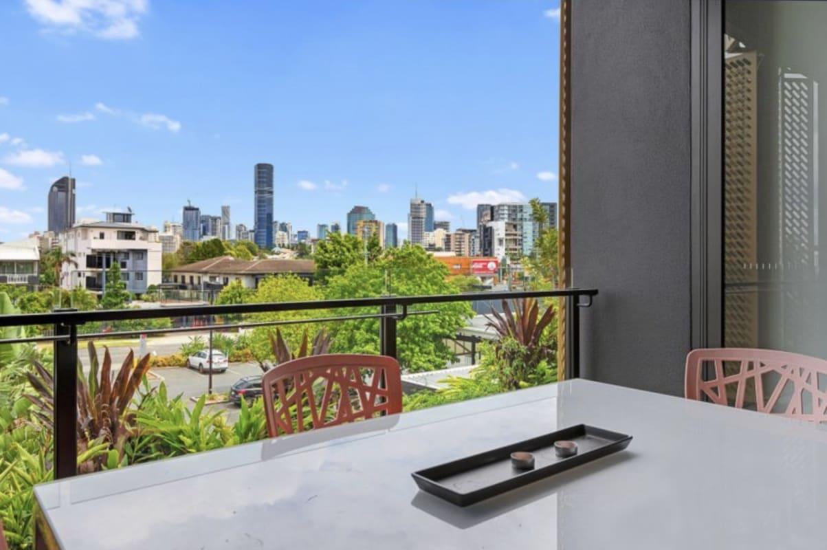 $230, Flatshare, 2 bathrooms, Manilla Street, East Brisbane QLD 4169