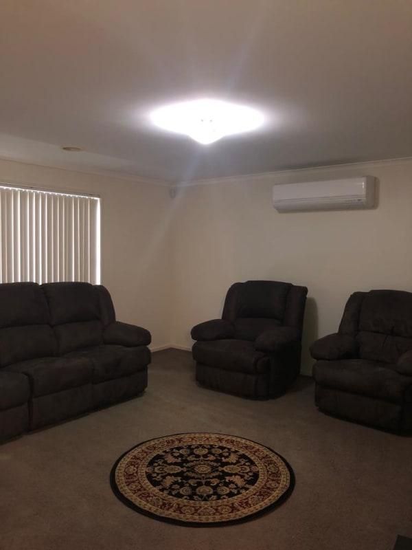$180, Share-house, 3 bathrooms, Hammersmith Circuit, Traralgon VIC 3844