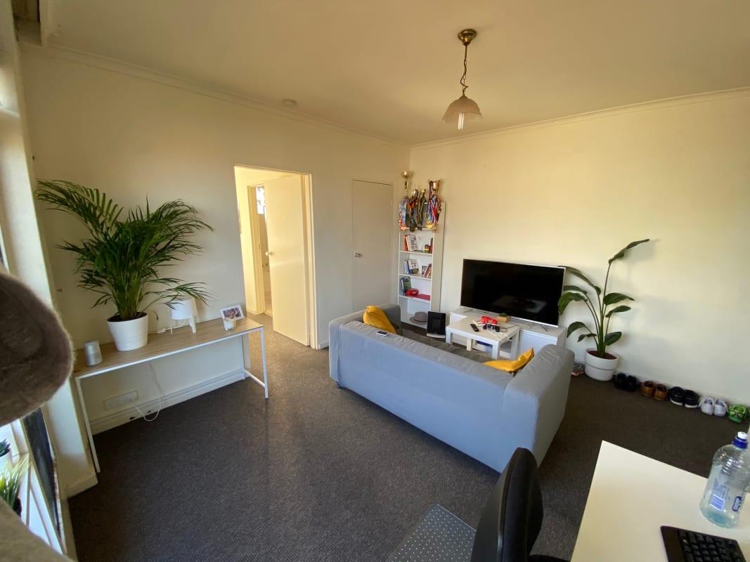 $390, 1-bed, 1 bathroom, James Street, Windsor VIC 3181