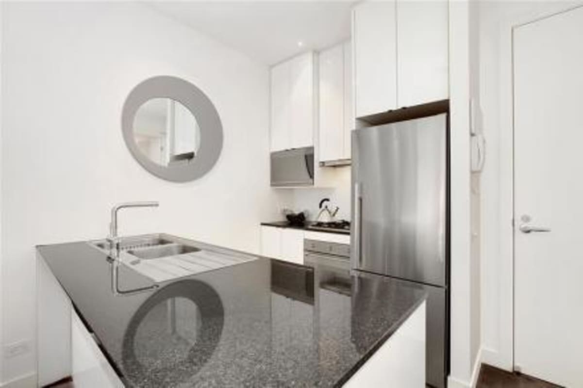 $250, Flatshare, 2 bathrooms, Collins Street, Melbourne VIC 3000