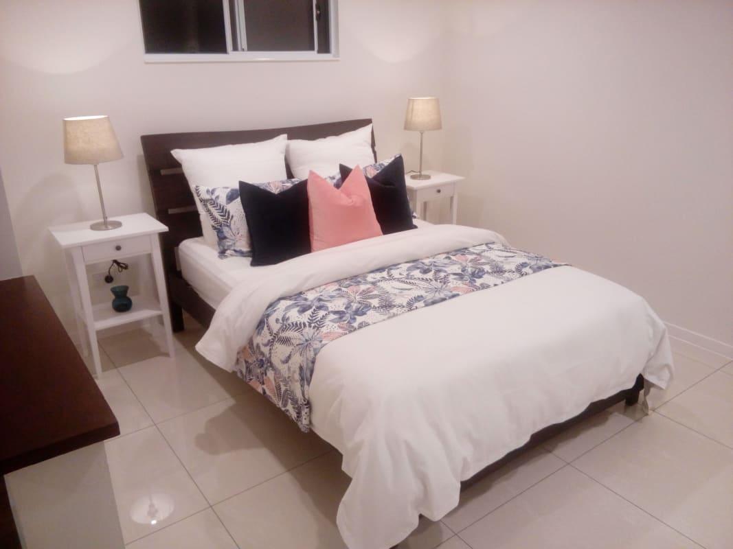 $330, Granny-flat, 1 bathroom, Nursery Road, Holland Park QLD 4121