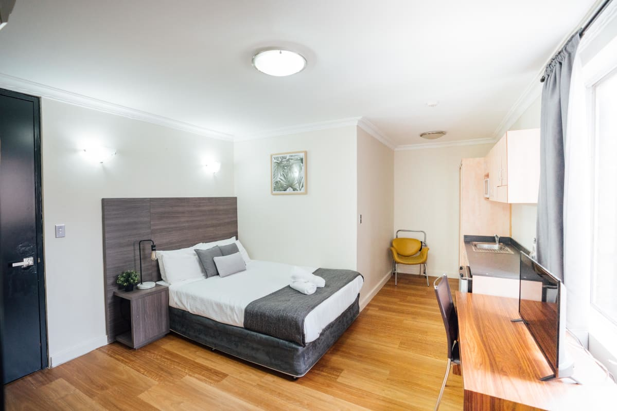 $380, Studio, 1 bathroom, Roslyn Street, Potts Point NSW 2011