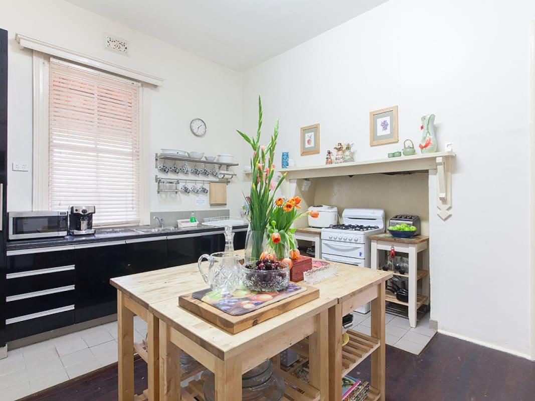 $240, Share-house, 5 bathrooms, South Street, Beaconsfield WA 6162