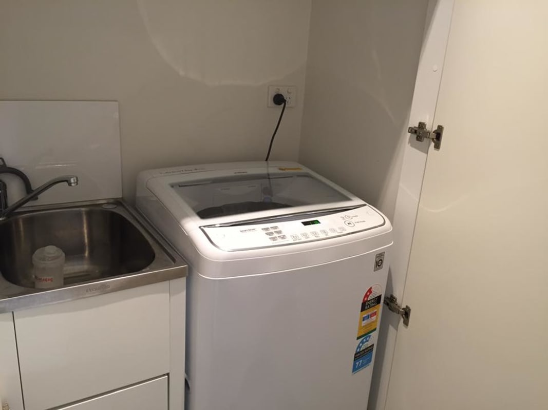 $180, Flatshare, 2 bathrooms, Berkeley Street, Melbourne VIC 3000