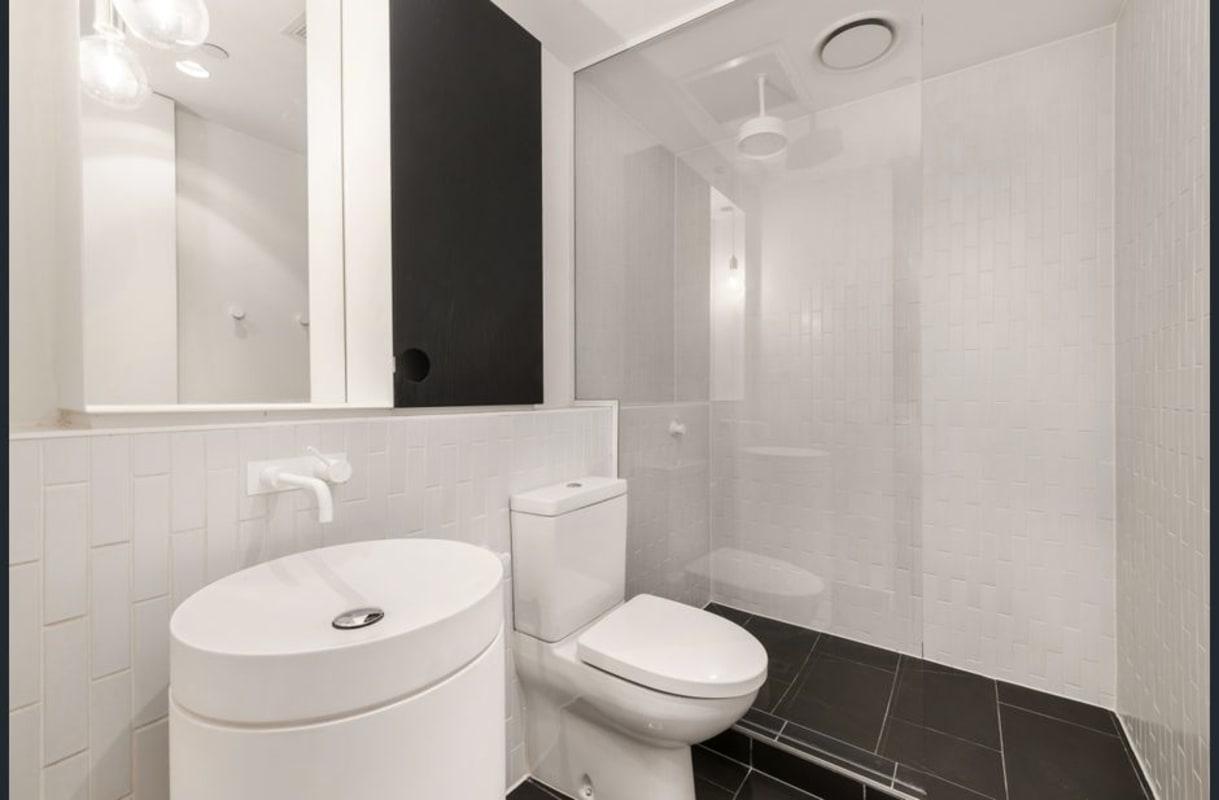 $300, Flatshare, 2 bathrooms, Dorcas Street, Melbourne VIC 3004