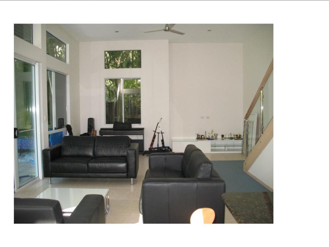 $200, Share-house, 2 bathrooms, Woonum Road, Alexandra Headland QLD 4572