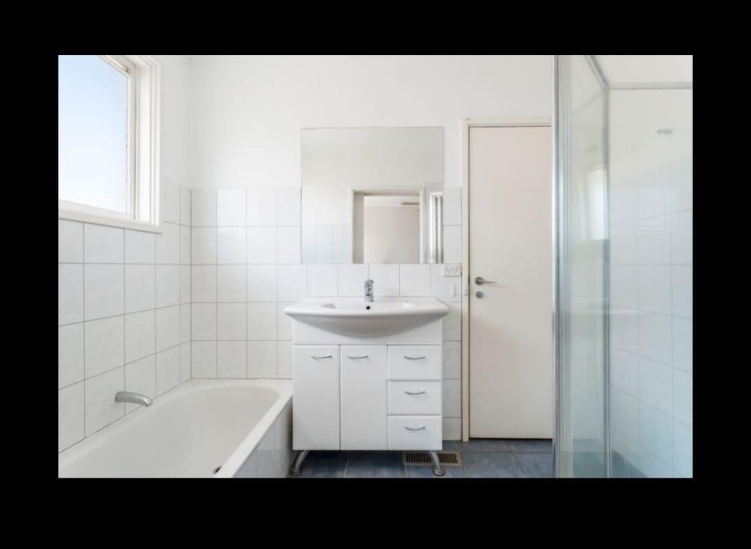 $211, Flatshare, 2 bathrooms, Lemon Road, Balwyn North VIC 3104