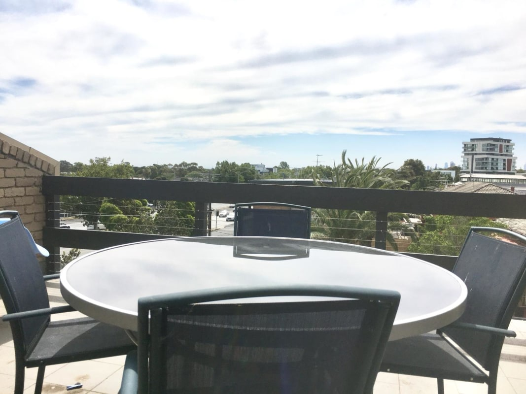 $160, Flatshare, 2 rooms, Nepean Highway Service Road, Elsternwick VIC 3185, Nepean Highway Service Road, Elsternwick VIC 3185