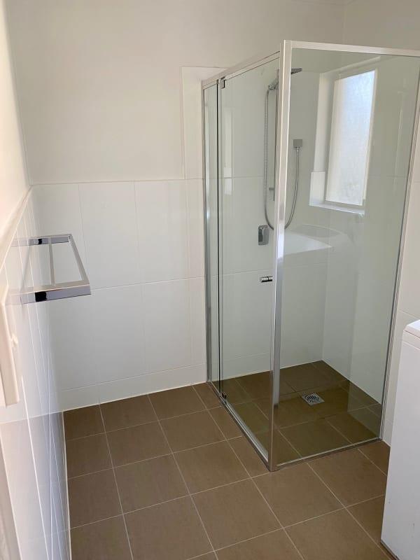 $340, Flatshare, 4 bathrooms, Leonard Avenue, Surfers Paradise QLD 4217