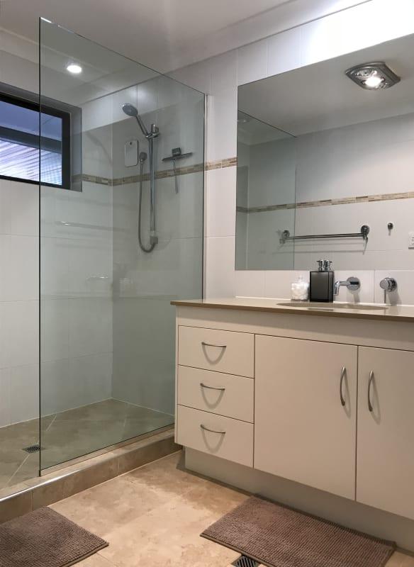 $250, Share-house, 5 bathrooms, Caloundra Road, Little Mountain QLD 4551