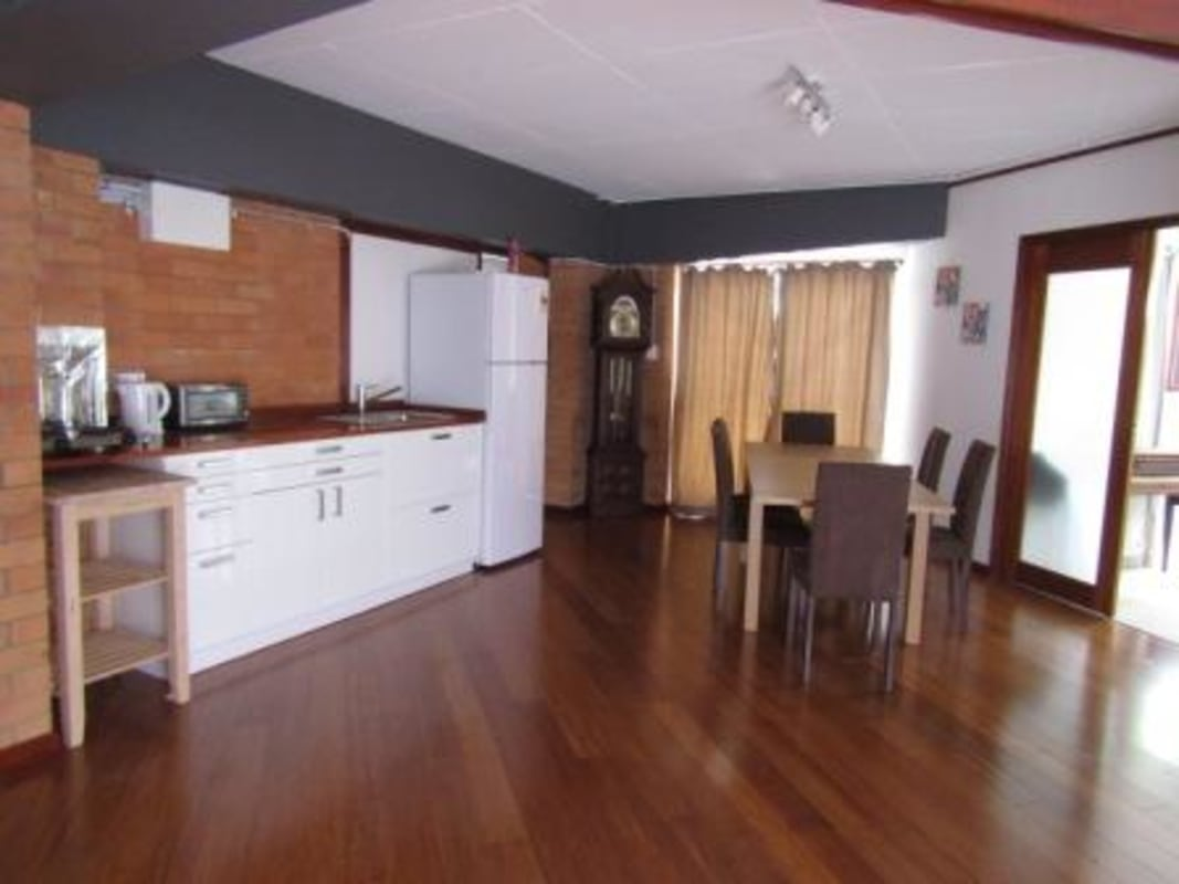 $180, Student-accommodation, 3 bathrooms, Farrant Street, Stafford Heights QLD 4053