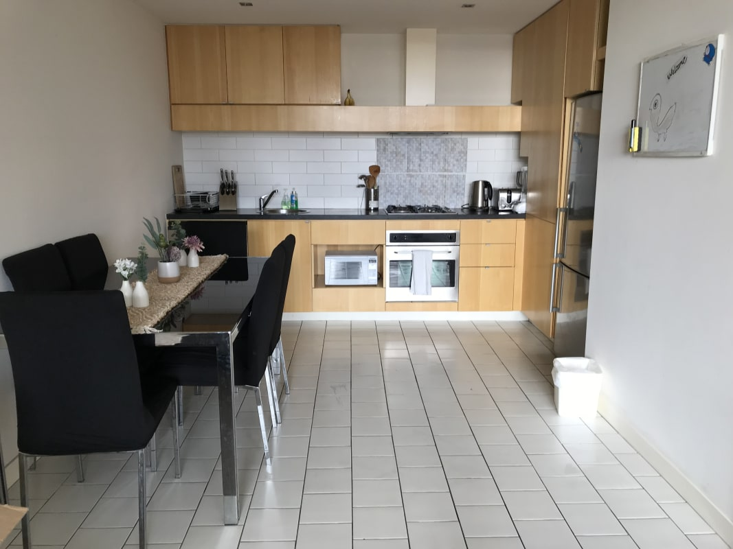 $160, Flatshare, 2 bathrooms, Russell Street, Melbourne VIC 3000