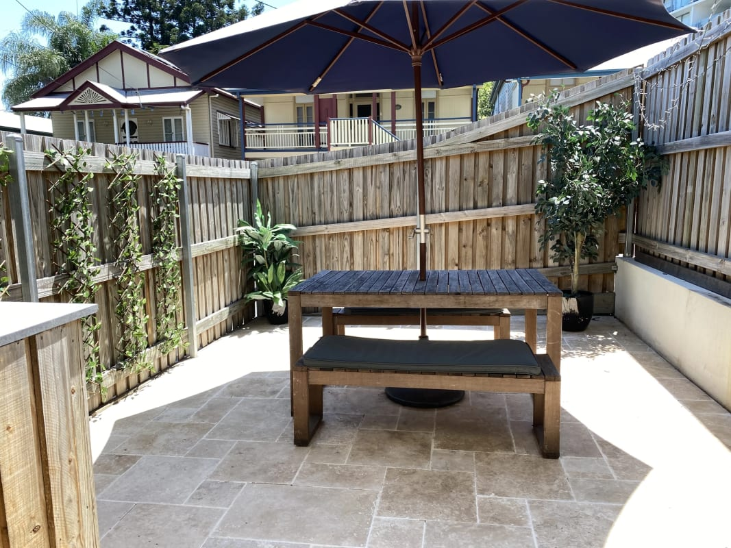$195, Share-house, 3 bathrooms, Connor Street, Kangaroo Point QLD 4169