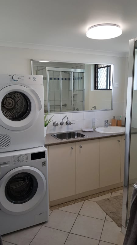 $240, Flatshare, 2 bathrooms, Karbunya Street, Mermaid Waters QLD 4218