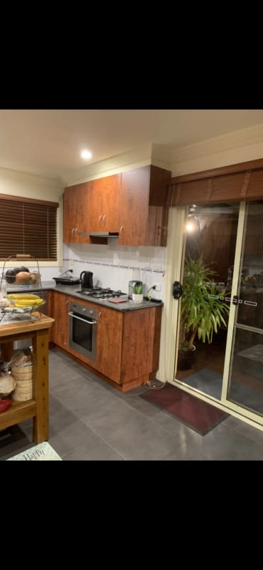 $250, Share-house, 3 bathrooms, Herbert Street, Mornington VIC 3931