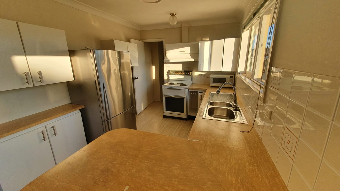 $450, Whole-property, 2 bathrooms, Sibbick Street, Russell Lea NSW 2046