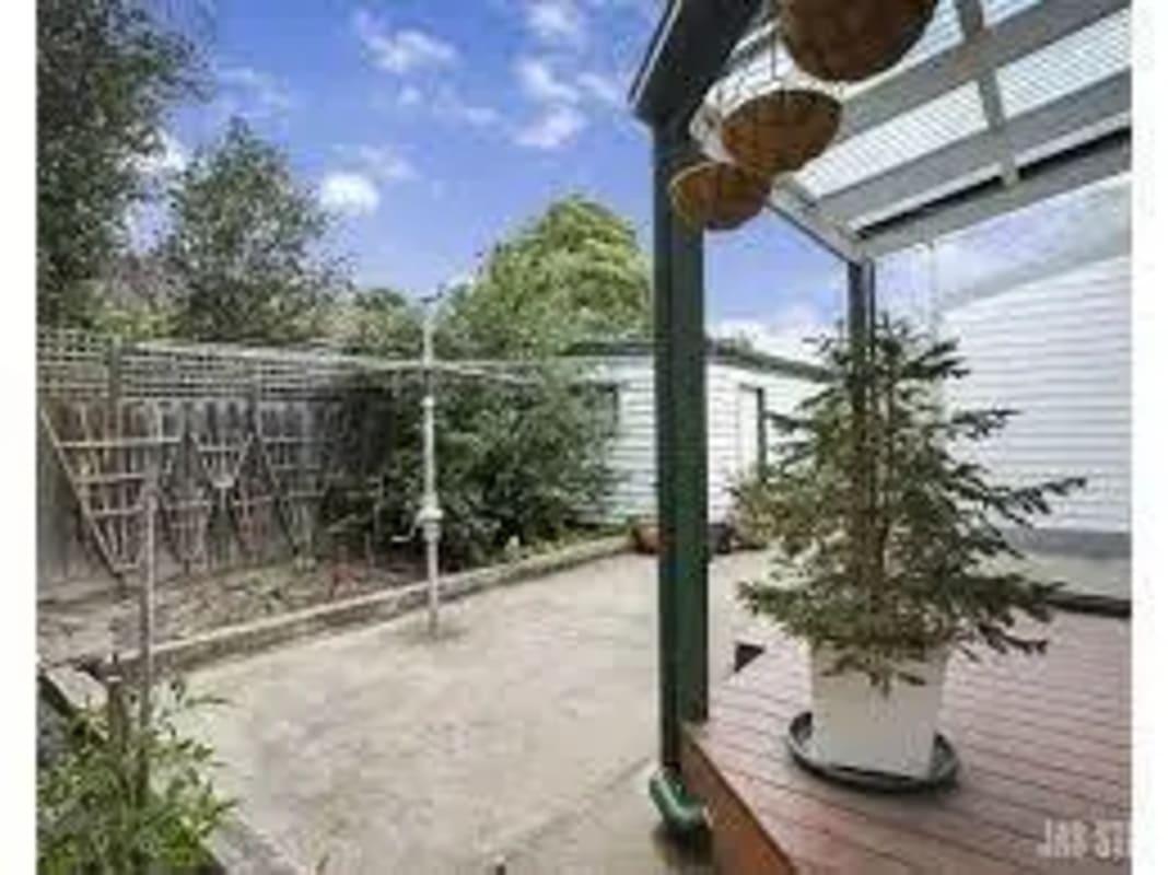 $490, Whole-property, 3 bathrooms, Howard Street, Maidstone VIC 3012