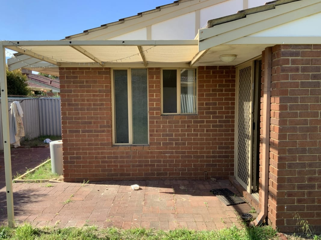 $300, Whole-property, 2 bathrooms, Dewey Street, Shelley WA 6148
