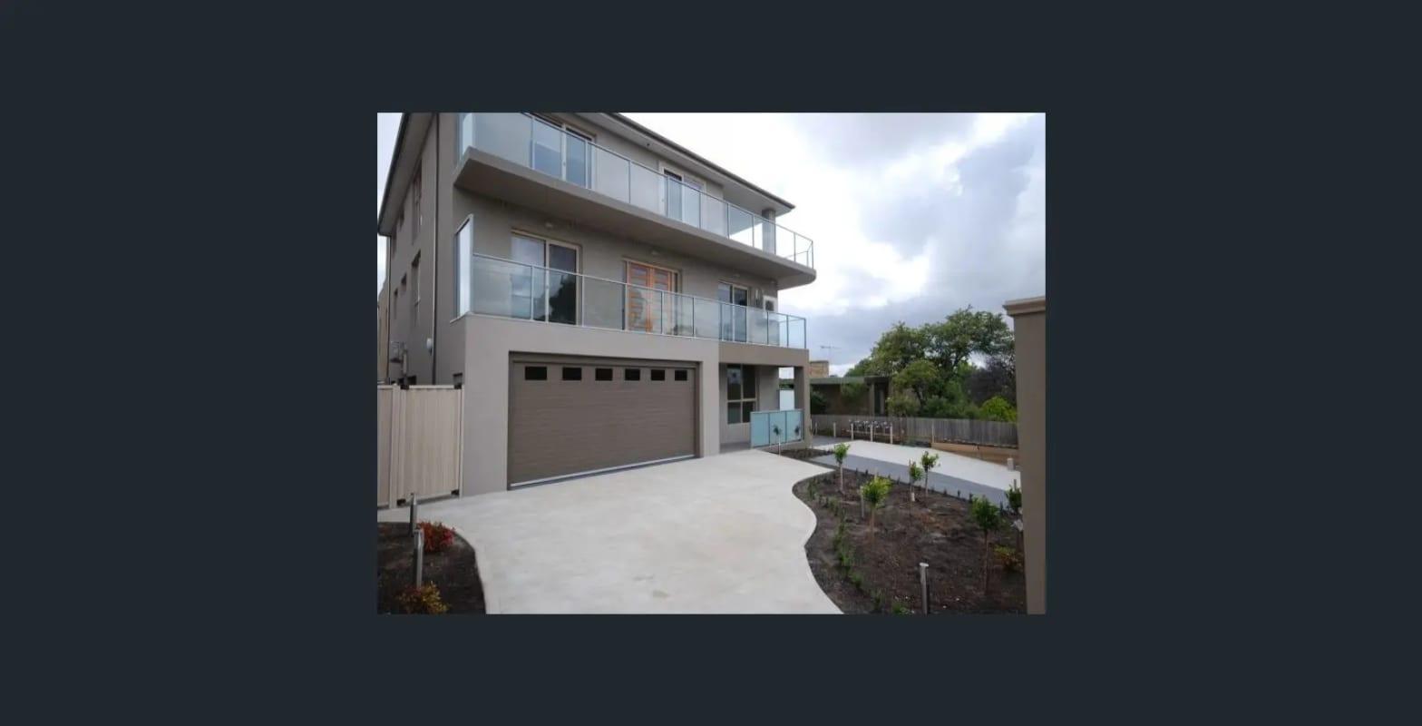 $160, Flatshare, 3 bathrooms, Lind Street, Strathmore VIC 3041
