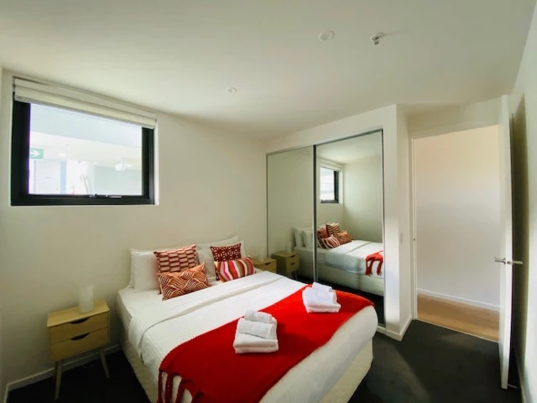 $400, 1-bed, 1 bathroom, Vale Street, St Kilda VIC 3182